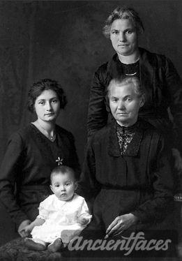 Theresia (Heuring) Dehen, 4 gen, 1920