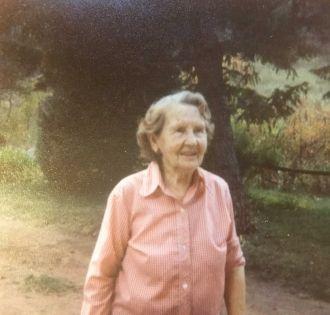 Clothilde Elnora Rosel Hollar