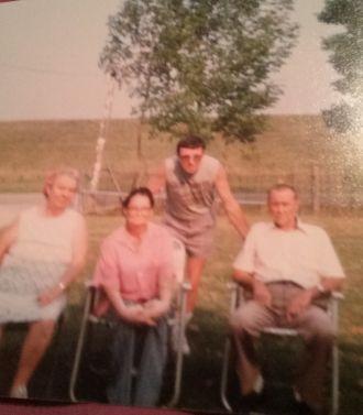 Lola E Thrasher Family
