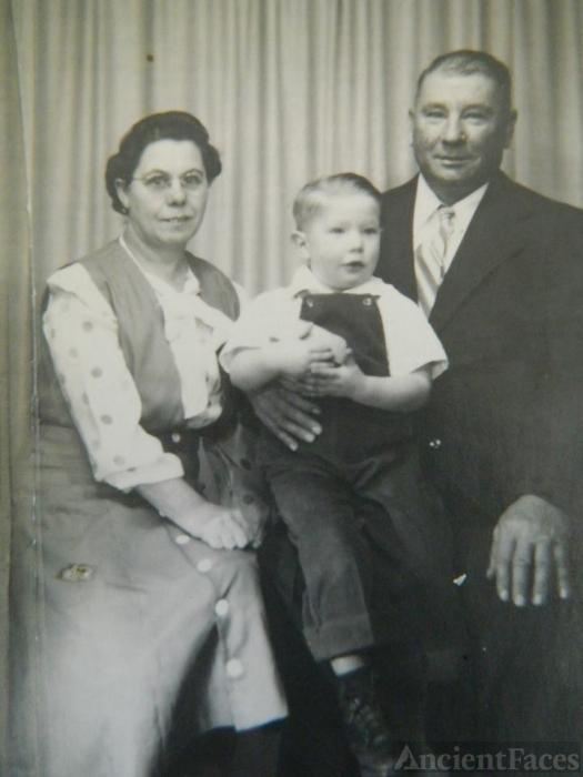 Bobby Allen Todd Family