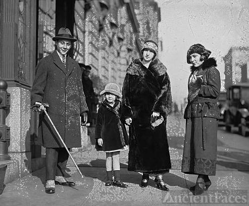 Princess Zeinet & family