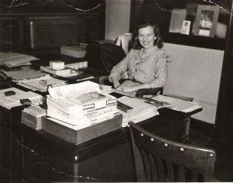 Dolores (Cazneau) Jones, IL c1945