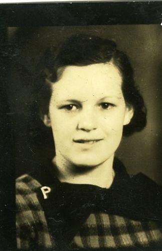 Ramona Perry, 1932