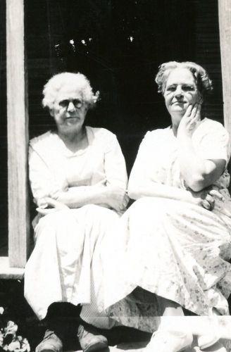 Eugenia Dickson and Laura (Dickson) Ellis