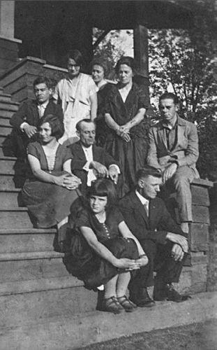 Pratt & Tasker Families in 1925