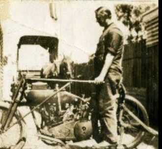 Wilfred Harold Arthur Topp's motorbike
