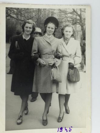 Lenka Markovits, 1945