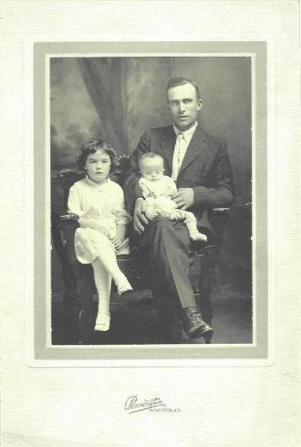 A photo of Frank  Markle