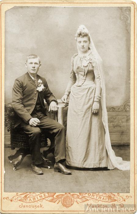 Mr. and Mrs. Minnie Hanson Peterson