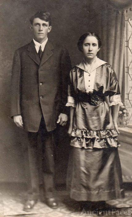 Hugh and Dollie Pierce