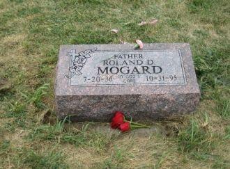 Roland D. Mogard, Headstone South Dakota