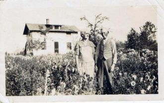 Edward and Clarrissa Geuth Crowell