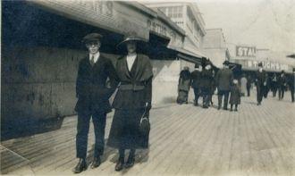 Lloyd Lenox & Helen Agnes Schneider