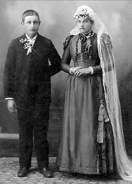 Nicholaus and Mary (Dehen) Barthel, 1893