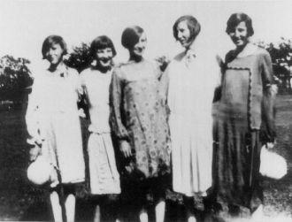 Pelzel Sisters