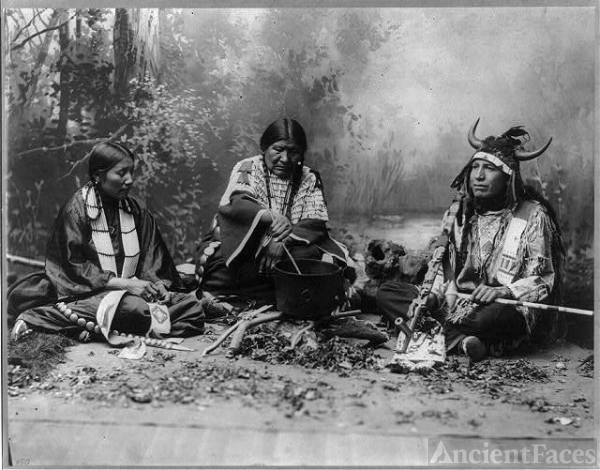 Sioux Indians: Indian life