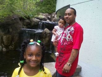 Ronnie Huff Sr, Gabrielle and Iyonia