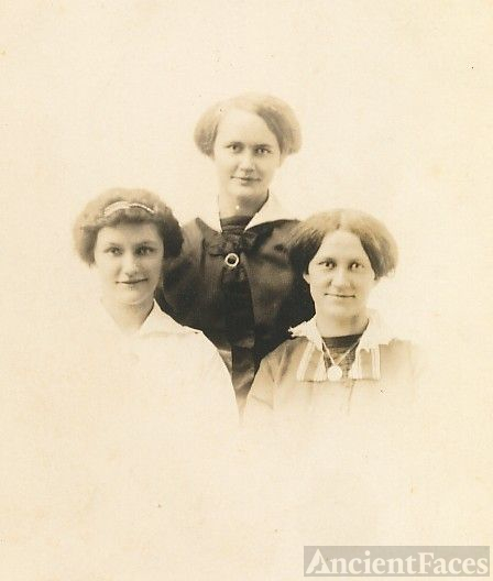 The William Behrhorst sisters