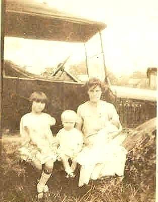 Alma Bell Fair and grandchildren