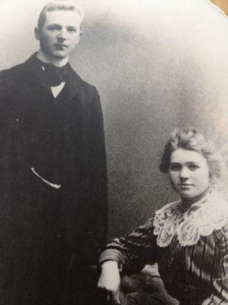 Anna and Ole Larsen