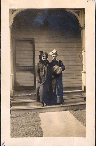 Rowena and Helen Bell