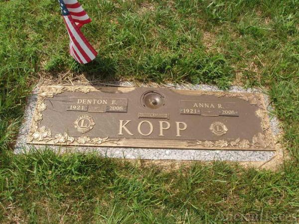 Denton and Anna Kopp gravesite