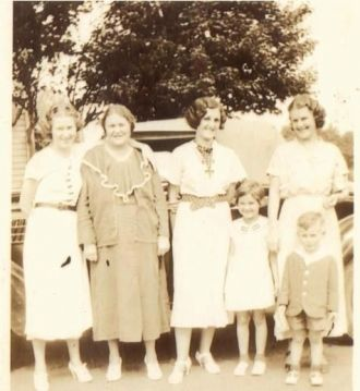 Grandmom Hoover and daughters