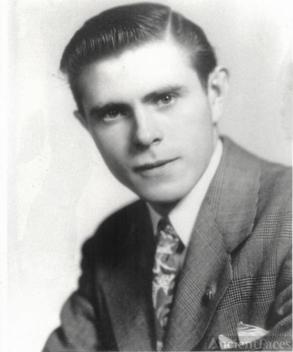 Bert Andrews
