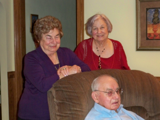Lon Harold Higgerson and two sisters, (L) Evelyn (Higgerson) Mason and (R) Anna Lee (Higgerson) Denkle, Chesapeake, VA