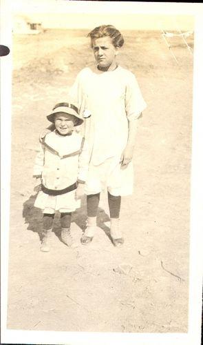 Mina Cromwell and Hosig's child