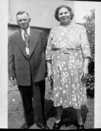 John & Sophie (Kamic) Medwick, New Jersey 1947