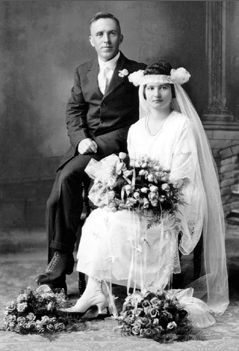 John and Agnes (Barthel) Powers, 1921