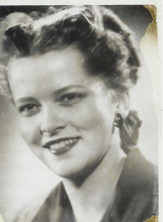 Jeannette M Dexter