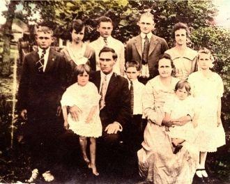 John Wesley & Hettie (Ellis) Bramlette Family, 1917