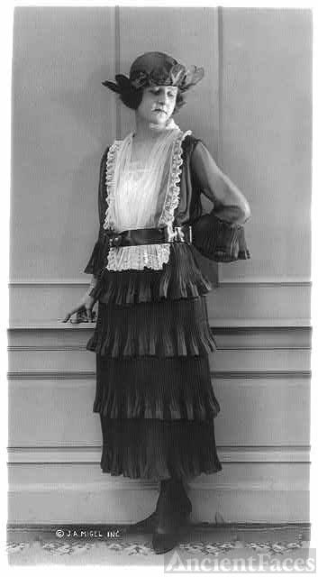 Vintage fashion Dorothea