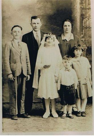 The Edward Gniadek Family, IL