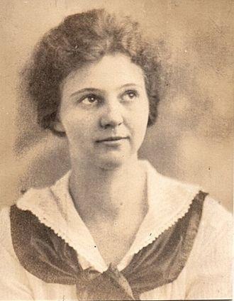 Lina Ellen (Rush) Young, 1917