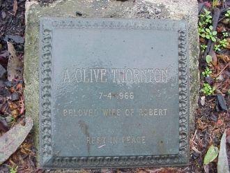 Agnes Olive Watmuff tombstone