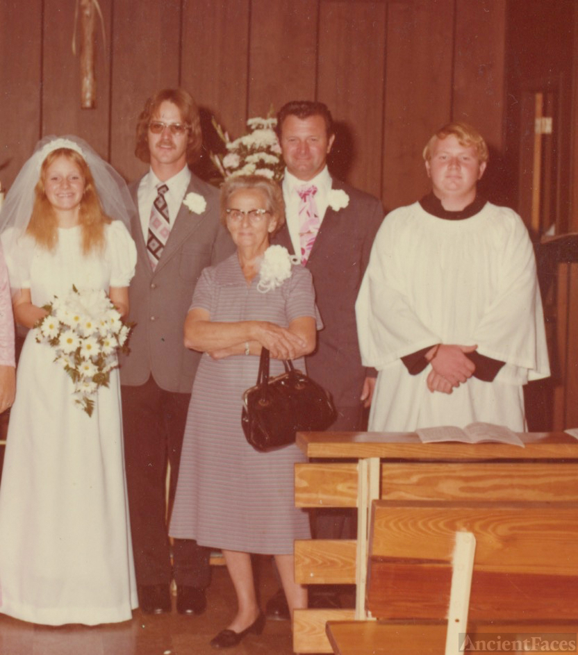 Melanye Narcarti and Steve Cobb's wedding