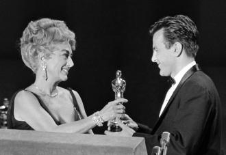 Joan Crawford giving Maximilian Schell his Oscar.