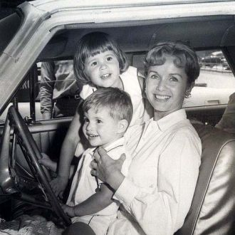 Debbie Reynolds, Carrie and Todd Fisher