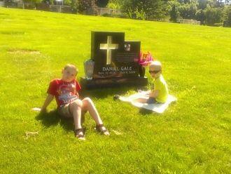 Daniel Gale gravesite