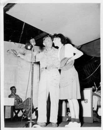 USO - Hanlon & Clark at the Mic