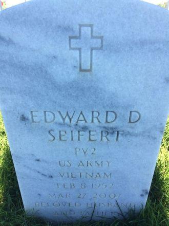 Edward D. Seifert gravesite