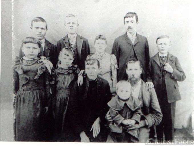 Issac Newton and Mary Elizabeth Barrs' Family