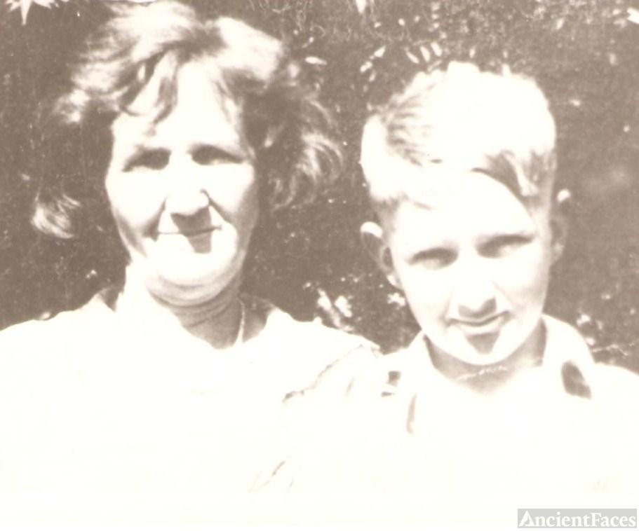 Sarah Myrtle Miller and Hubert Hoover Statham