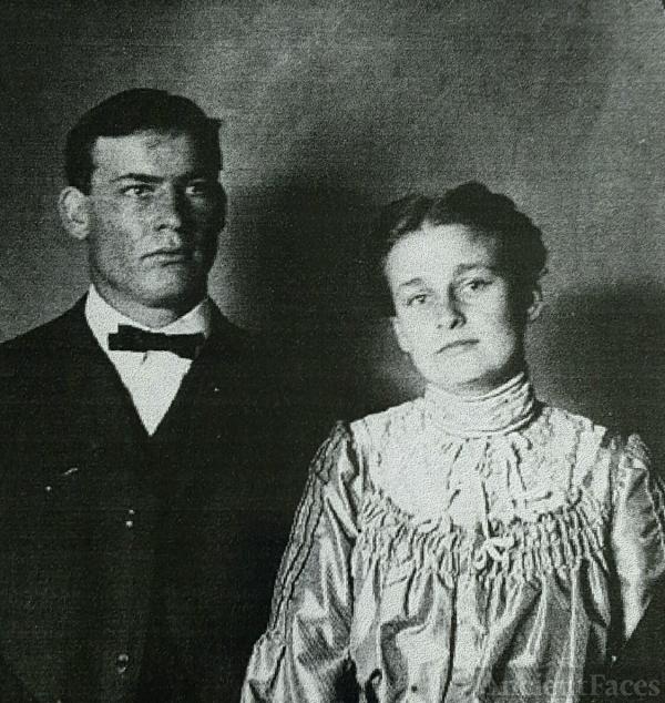 Ed and Laura (Blankenbeker) Bowman