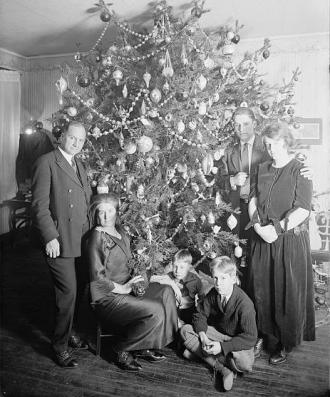 Dickey Christmas tree in 1923