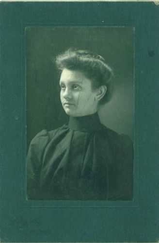 Unknown Woman 17
