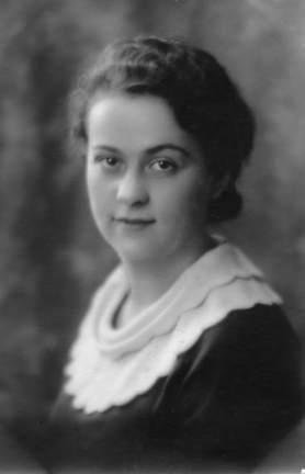Helen L (Larimer) Kensel c1930